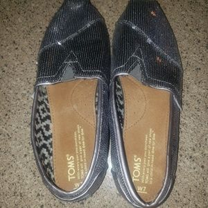 Tom's women's size 7 shoes